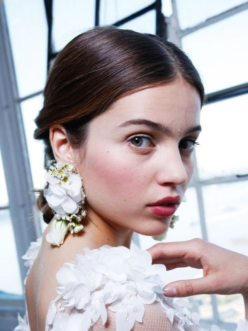 tk-best-beauty-looks-from-new-yorks-bridal-week-1741230-1461229116.600x0c